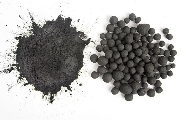 Image: Raw and pelletized coal